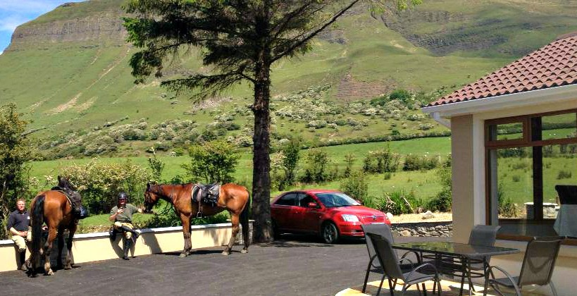 Benbulben Farmhouse B&B Grounds & Views